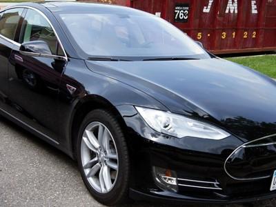 Tesla nam je sve bliže, od sada se može naručiti i preuzeti u Sloveniji i Mađarskoj