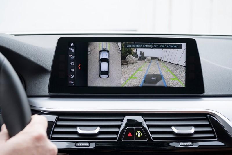 """Bogata oprema modela 530e Performance uključuje i kamere koje pomažu pri """"gađanju"""" GroundPada"""