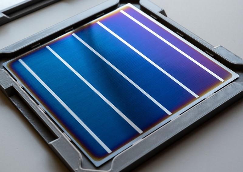 Solarni panel kakvima bi u Maana Electricu prekrili zemaljske pustinje, ali i  Mjesec